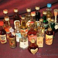 Botellas antiguas: INTERESANTE COLECCIÓN DE 20 BOTELLAS DE LICOR EN MINIATURA. Lote 26084300