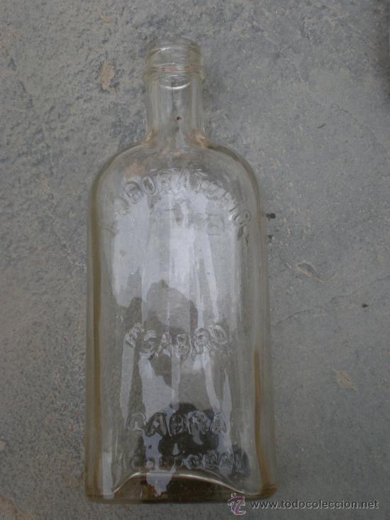 Botellas antiguas: Botella farmacia LABORATORIOS EGABRO CABRA -CORDOBA- - Foto 3 - 26412157