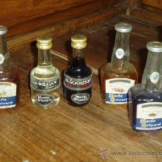 Botellas antiguas: BOTELLITAS ANTIGUAS DE MARIE BRIZARD. Lote 27271281