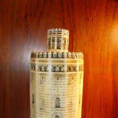 Botellas antiguas: TORRE DE ORO - SEVILLA - ANTIGUA BOTELLA CERAMICA -. Lote 27902014