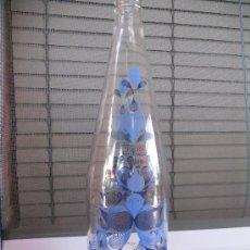 Botellas antiguas: PRECIOSISIMA BOTELLA DE AGUA FONT VELLA DECORADA, EDICION LIMITADA 2009. Lote 28154938
