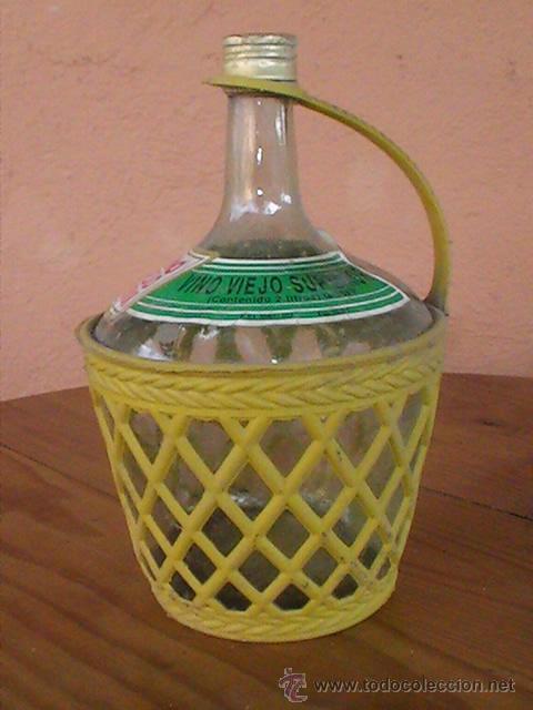 BOTELLA O GARRAFA DE VINO VIEJO. FUNDA DE PVC. 2 LITROS. (Coleccionismo - Botellas y Bebidas - Botellas Antiguas)