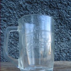 Botellas antiguas: JARRA DE CERVEZA MAHOU, EN RELIEVE.. Lote 29326772