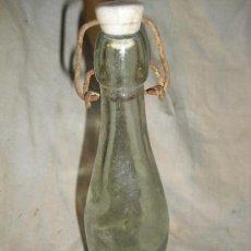 Botellas antiguas: BONITA BOTELLA DE GASEOSA AÑOS 30-40. Lote 30297113