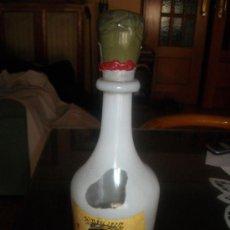 Botellas antiguas: BONITA BOTELLA DE BRANDY, ESPECIAL DISEÑO DE DALI, VACIA. Lote 30721946