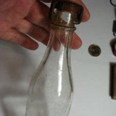 Botellas antiguas: CURIOSO BOTELLIN GASEOSA CON CIERRE TAPON ESPECIAL. Lote 31559818