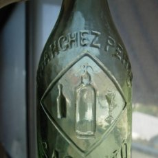 Botellas antiguas: SANCHEZ PEREZ - SAGUNTO - (VALENCIA) - RELIEVE - 33 CL. - GASEOSA - RARA. Lote 31689812