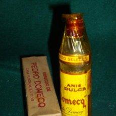 Botellas antiguas: BOTELLIN DE ANIS DULCE DOMECQ - OBSEQUIO DE PEDRO DOMECQ. Lote 32009373