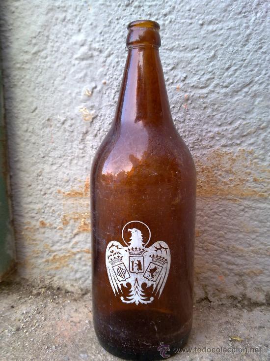 BOTELLA DE CERVEZA, SERIGRAFIADA EL AGUILA. 1 LITRO. (Botellas y Bebidas - Botellas Antiguas)