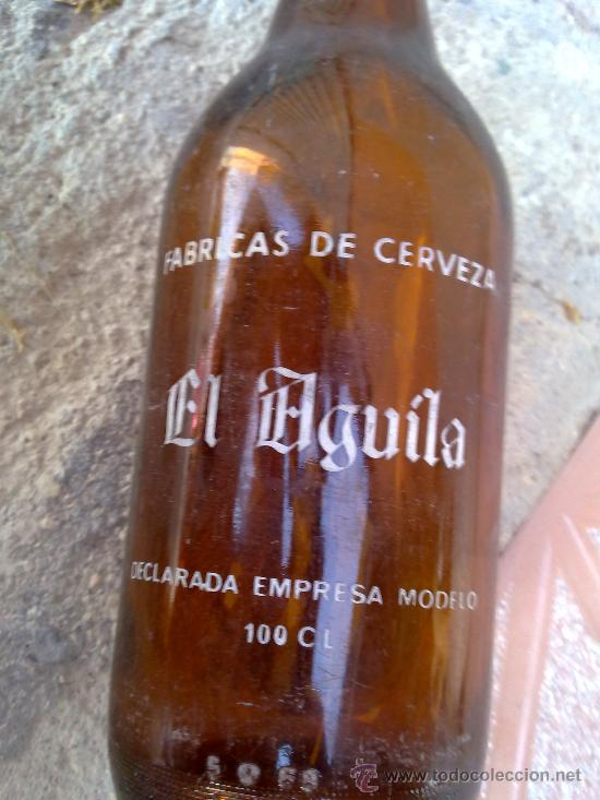 Botellas antiguas: botella de cerveza, serigrafiada el aguila. 1 litro. - Foto 3 - 32751417