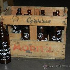 Botellas antiguas: (M) MORITZ - 8 BOTELLAS DE CERVEZA MORITZ BARCELONA 1 L SERIGRAFIADA + CAJA DE CERVEZAS MORITZ. Lote 34631305