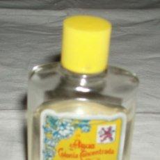 Botellas antiguas: BOTELLA 30 ML COLONIA ALVAREZ GOMEZ CASI LLENA + BOTELLA VACIA PARA RELLENAR. Lote 36004170