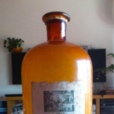 Botellas antiguas: BOTELLA FARMACIA AMBAR,DE GRAN TAMAÑO.. Lote 36216917