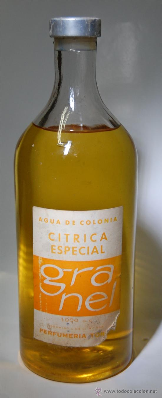 FRASCO DE COLONIA PERFUME CÍTRICA DE PERFUMERÍAS TOIGA DE SEVILLA 1 LITRO // BOTELLA ÚNICA AÑOS 40 (Coleccionismo - Botellas y Bebidas - Botellas Antiguas)