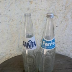 Botellas antiguas: 2 ANTIGUAS BOTELLAS FANTA DIFERENTES. Lote 37166131