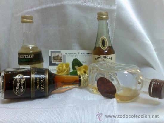 Botellas antiguas: COLECCIÓN DE 35 MINIATURAS DE BOTELLA DE LICOR. - Foto 10 - 37677706