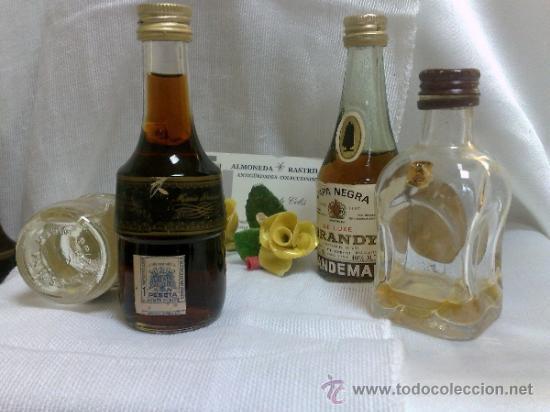 Botellas antiguas: COLECCIÓN DE 35 MINIATURAS DE BOTELLA DE LICOR. - Foto 11 - 37677706