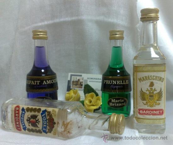 Botellas antiguas: COLECCIÓN DE 35 MINIATURAS DE BOTELLA DE LICOR. - Foto 17 - 37677706