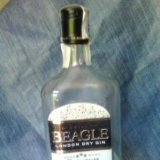Botellas antiguas: BOTELLA DE GINEBRA BEAGLE LONDON DRY GIN. Lote 46233304