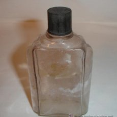 Botellas antiguas: BOTELLA MUY ANTIGUA DE PERFUME, TAPON BAQUELITA. Lote 38213411