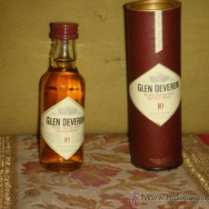 "Botellas antiguas: ANTIGUO BOTELLIN ""GLEN DEVERON 10 YEARS"" SINGLE MALT SCOTCH WHISKY. C/CAJA. C1960 . Lote 38454985"