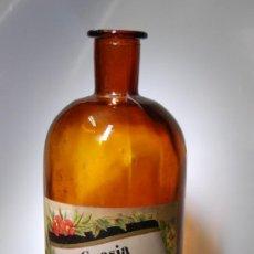 Botellas antiguas: FRASCO DE FARMACIA DE CUASIA AMARGA COLOR ÁMBAR . Lote 38665492