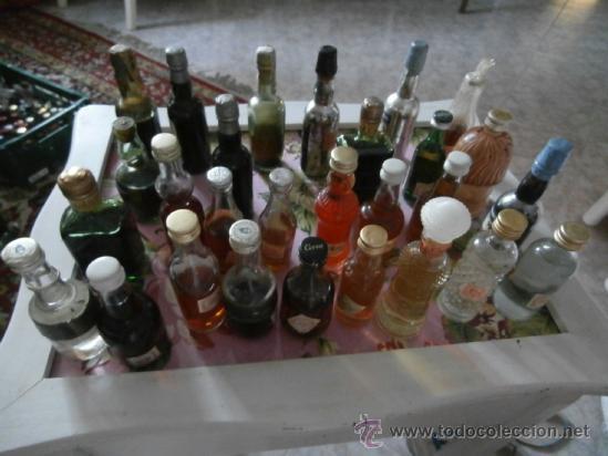 Botellas antiguas: GRAN LOTE 28 BOTELLAS MINIATURA, LLENAS, ANTIGUAS COLECCIÓN CON SELLO DE IMPUESTO - Foto 3 - 38778941