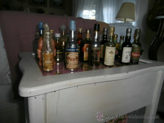 Botellas antiguas: GRAN LOTE 28 BOTELLAS MINIATURA, LLENAS, ANTIGUAS COLECCIÓN CON SELLO DE IMPUESTO - Foto 6 - 38778941