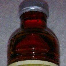 Botellas antiguas: MINI BOTELLA DE CURACAO ROUGE. Lote 38826746