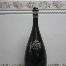 Botellas antiguas: BOTELLA SEGURA VIUDAS BRUT RESERVA HEREDAD RELIEVES METAL. Lote 38844840