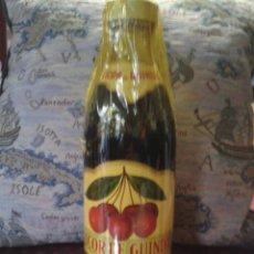 Botellas antiguas: LICOR GUINDAS. Lote 39739013