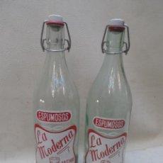 Botellas antiguas: BOTELLA ANTIGUA ESPUMOSOS LA MODERNA JATIVA - XATIVA - 31 CM LOTE DE 2 BOTELLAS PROPAGANDA. Lote 39824886
