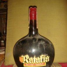 """Botellas antiguas: ANTIGUO LICOR """"RATAFIA"""" DE MONSERRAT. PRECINTO 4PTS. TAPÓN CORCHO. LLENA Y SIN ABRIR. C1960.. Lote 39842289"""