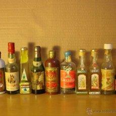 Botellas antiguas: MAGNIFICO LOTE DE 65 BOTELLINES DIVERSOS. Lote 40015774