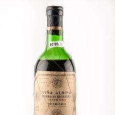 Botellas antiguas: BOTELLA VINO TINTO DE RIOJA, MARCA VIÑA ALBINA, RESERVA 1942, DE CENICERO(VINO DE COLECCION). Lote 40041475