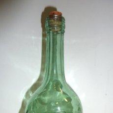 Botellas antiguas: BOTELLA DE VIDRIO TRANSPARENTE VERDE. CARA DE INCA . LICOR . NOGUERAS COMAS BARCELONA. DIFÍCIL. Lote 40182506