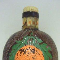 Botellas antiguas: BOTELLA CRISTAL LICOR CREMA NARANJA . DESTILERIAS MOLLFULLEDA. ARENYS . 16 CM. 1/ 4 LLENA. SELLO.. Lote 46056451
