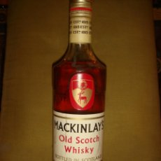 "Botellas antiguas: ANTIGUA BOTELLA ""MACKINLAY´S"" 5 YEARS OLD SCOTCH WHISKY. TAPÓN ROSCA. LLENA Y SIN ABRIR. C1970. Lote 40679523"