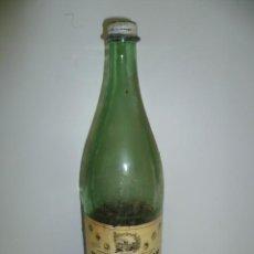 Botellas antiguas: ANTIGUA BOTELLA DE LA MARCA VICHY CATALAN CON EL TAPON PUESTO.. Lote 40830099