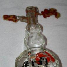 Botellas antiguas: PEQUEÑA BOTELLA ANTIGUA DE CRISTAL CON FORMA DE GUITARRA - COÑAC DESTILERIAS ESCAT. Lote 41004728
