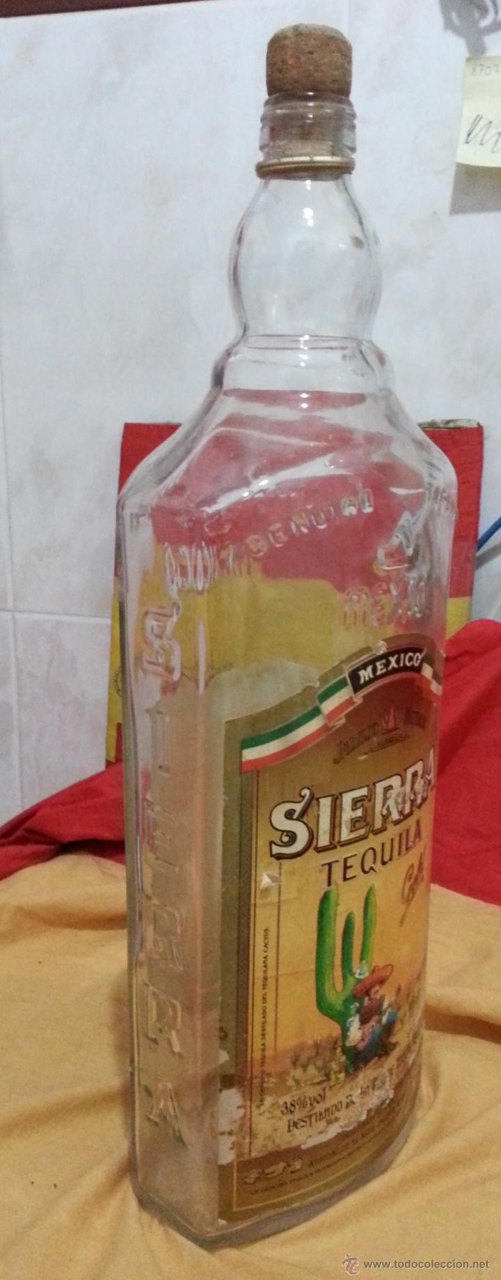 BOTELLA DE TEQUILA MARCA SIERRA AÑOS 70 DE 3 LITROS (Coleccionismo - Botellas y Bebidas - Botellas Antiguas)