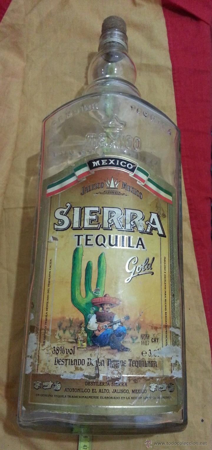 Botellas antiguas: Botella DE TEQUILA MARCA SIERRA años 70 DE 3 LITROS - Foto 3 - 41070073
