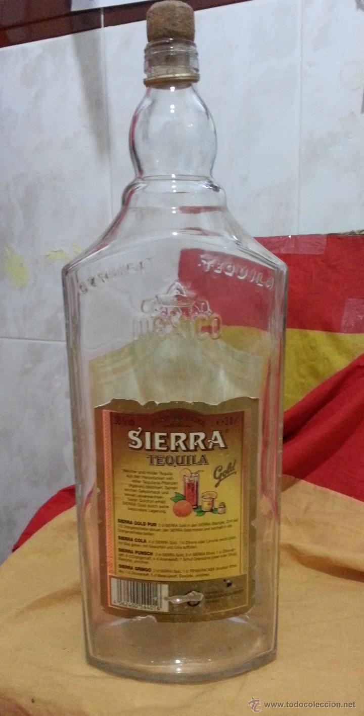 Botellas antiguas: Botella DE TEQUILA MARCA SIERRA años 70 DE 3 LITROS - Foto 6 - 41070073