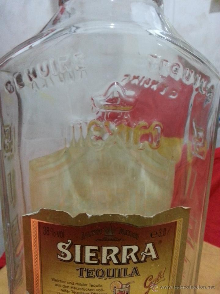 Botellas antiguas: Botella DE TEQUILA MARCA SIERRA años 70 DE 3 LITROS - Foto 8 - 41070073