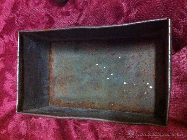 Botellas antiguas: Lote de Botellitas y Caja chapa. Bot.Caballero Fino Pavón. Bot. Ketacil.Caja Mirat e hijo Salamanca - Foto 8 - 41328781