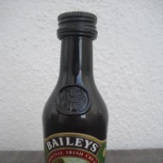 Botellas antiguas: MINI BOTELLA, BOTELLIN MINIATURA BAILEYS.. BOTELLITA.MINIBOTELLA.. Lote 41768161