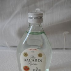 Botellas antiguas: RON BACARDI SUPERIOR. RUM MINI BOTELLA, BOTELLIN MINIATURA BOTELLITA.MINIBOTELLA. Lote 42370462