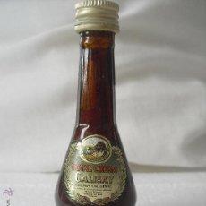 Botellas antiguas: CALISAY ROYAL CREAM MINI BOTELLA, BOTELLIN MINIATURA BOTELLITA.MINIBOTELLA. Lote 42380000