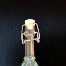 Botellas antiguas: BOTELLA MINIATURA CON SELLO. Lote 42401080