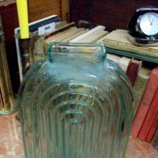 Botellas antiguas: ANTIGUA BOTELLA TALLADA. Lote 42638531
